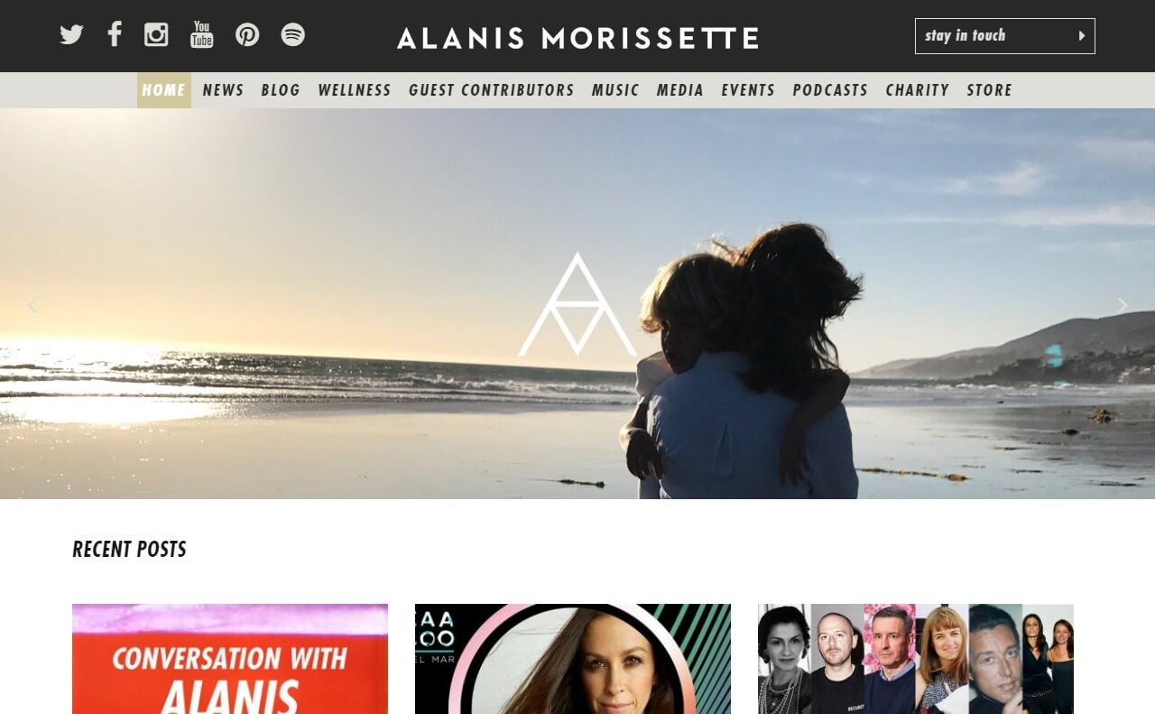 Alanis Morissette – Official WebsiteのWEBデザイン