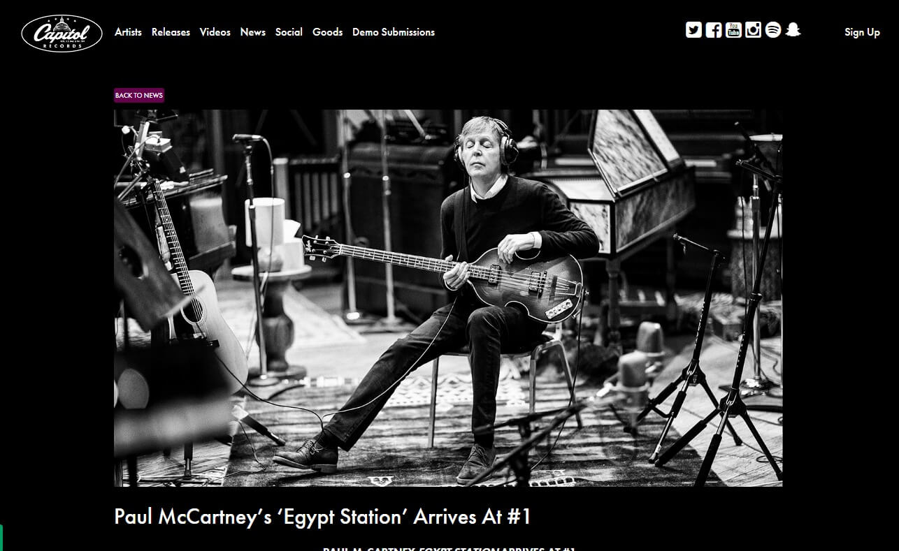 Capitol Records – The Official Website of Capitol RecordsCapitol Records | The official website of Capitol RecordsのWEBデザイン