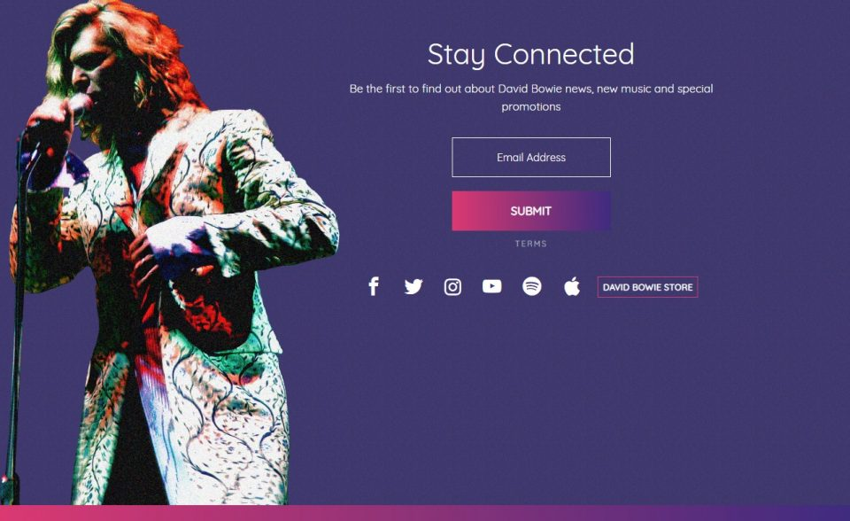 David Bowie   The official website of David Bowie   Out Now Glastonbury 2000のWEBデザイン