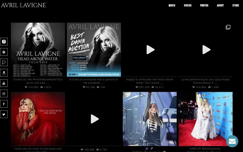 Avril Lavigne – The Official Website of Avril LavigneのWEBデザイン