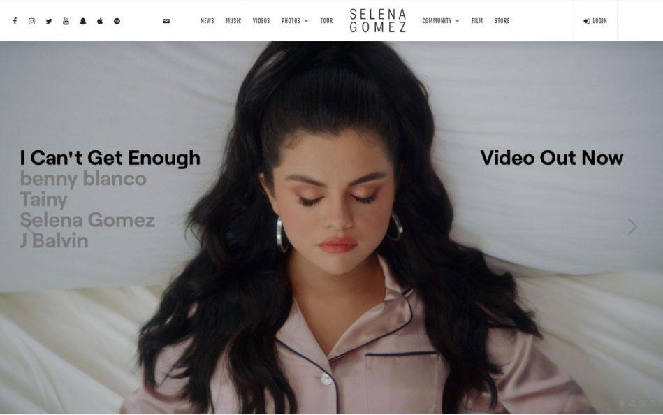 Selena Gomez | Official SiteのWEBデザイン