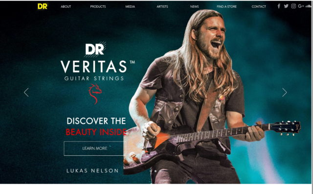 DR Strings | Official SiteのWEBデザイン