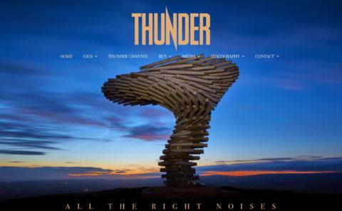 Thunder Online :: The Official Thunder Website – HOMEのWEBデザイン